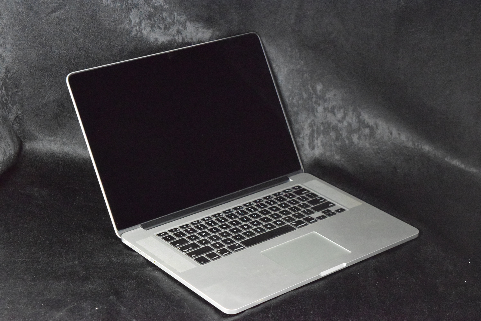 apple macbook pro retina i core ghz quad core gb apple macbook pro 10 1 retina i7 core 2 7ghz quad core 16gb 256gb ssd apple macbook pro 10 1 retina i7 core 2 7ghz quad core 16gb 256gb ssd 27128 1